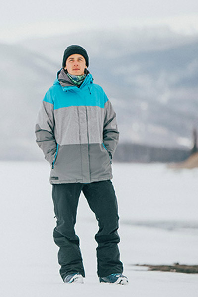 Ski and snowboard clothing rental