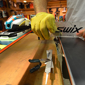 ski and snowboard edge sharpening